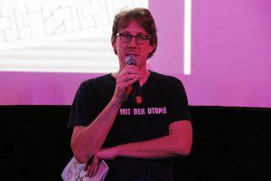 Bezirksstadtrat Jochen Biedermann eröffnete diese Jahr das chiller Filmfestival.